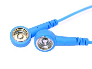 Coiled grounding cord – press stud to press stud